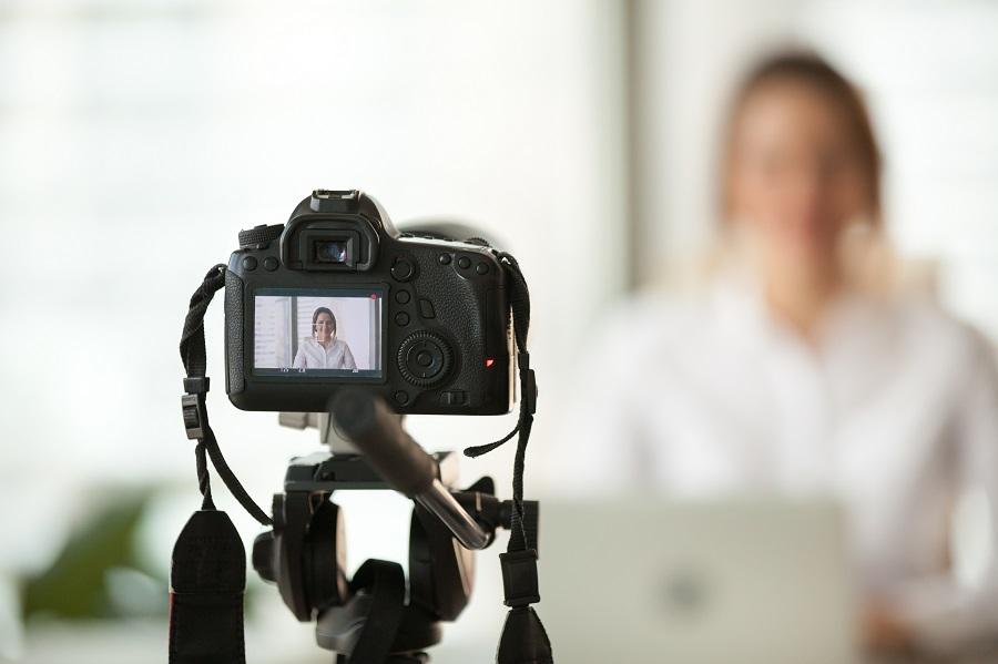 Videoanalyse und technische Einrichtung für Geschäftspräsentationen